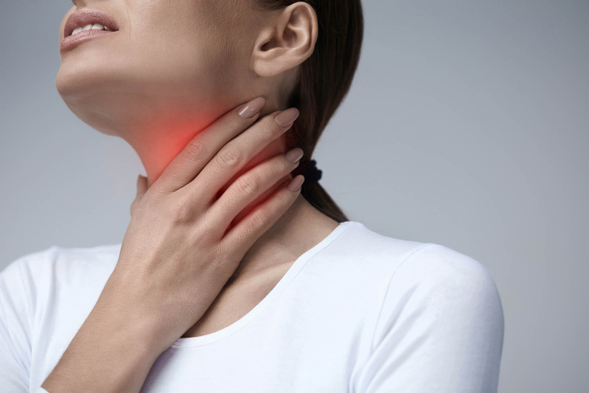 Adult severe sore throat pain